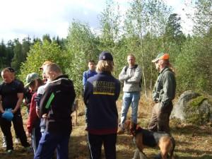 Sven Berndtsson delar med sig av kunskaper om jakt och hundar.