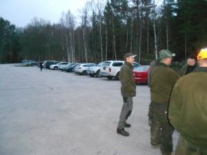 Här är en några av bilarna som anlände med jägare från ca 7000 ha tillsammans med marker tillhörande Olofströms Kommun.