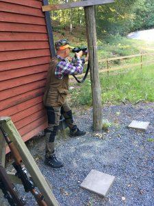 Michael skjuter Björnpasset med Jägarmässigt stöd på 80 meter.