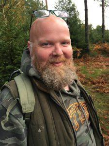 "Glade läraren Johan som ibland kallas skolan´s ""Leif GW Persson""."